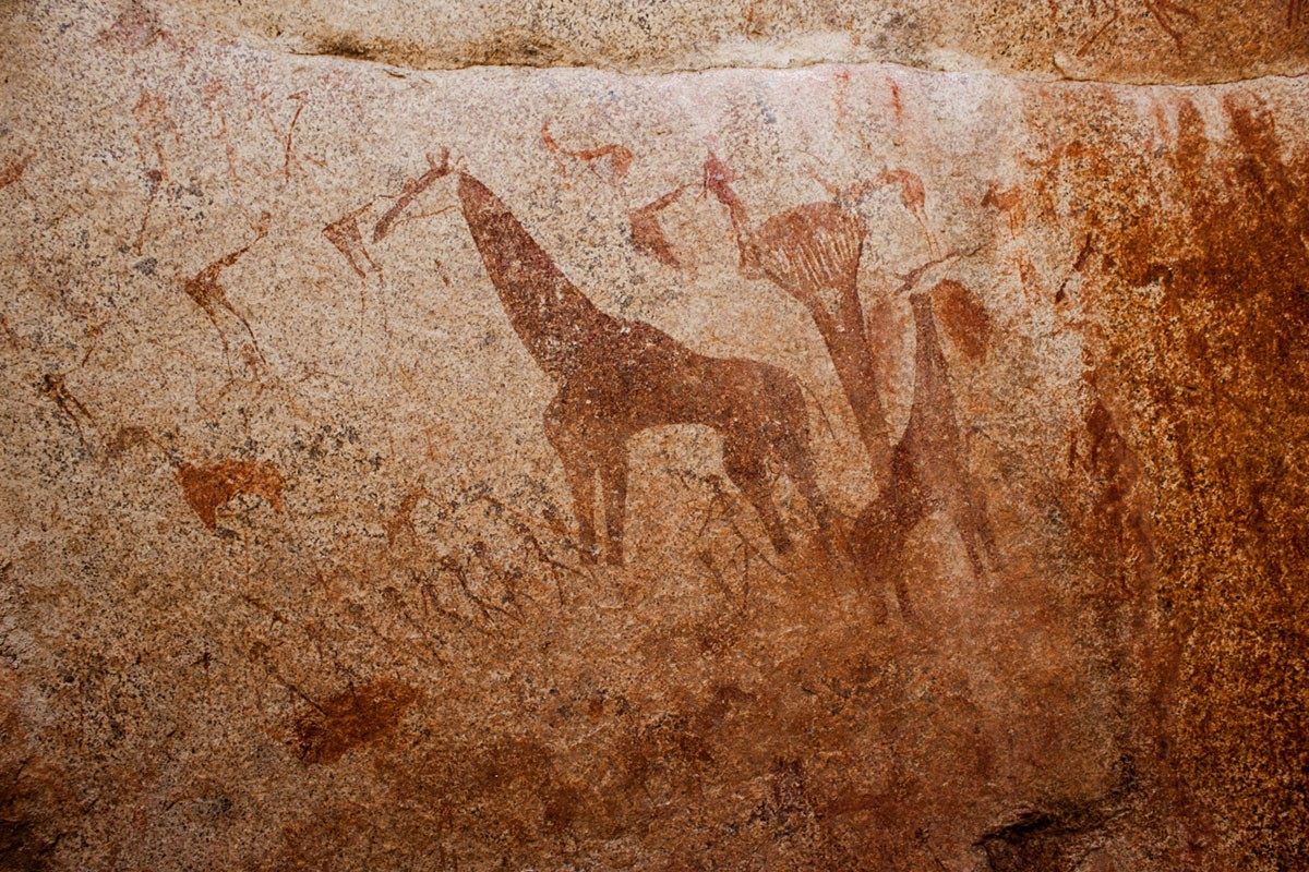 Rock paintings and the history of Omandumba in the Erongo Mountains